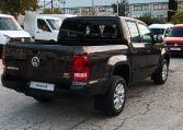 VW Amarok lateral trasero derecho