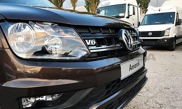 VW Amarok calandra