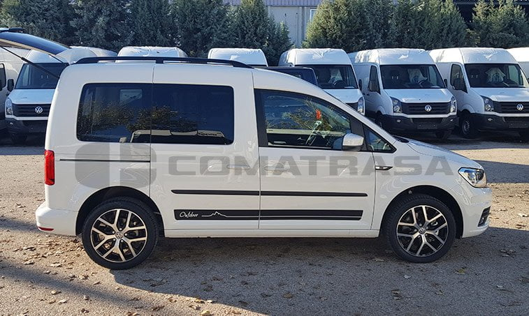 VW Caddy Outdoor lateral derecho