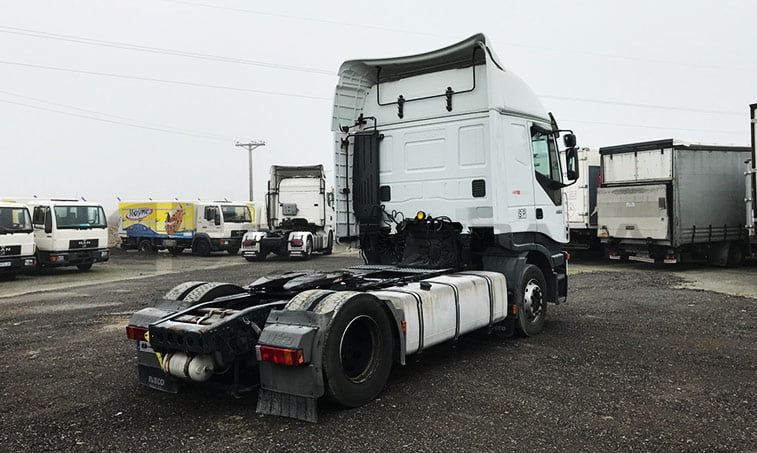 lateral derecho Iveco AS440