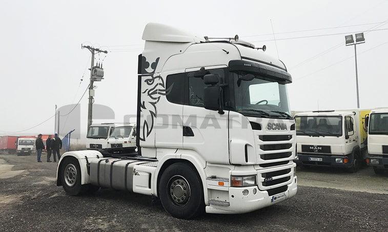 derecha Scania G440