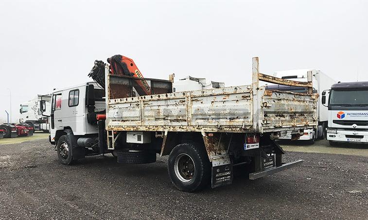 Volvo FL6 lateral derecho