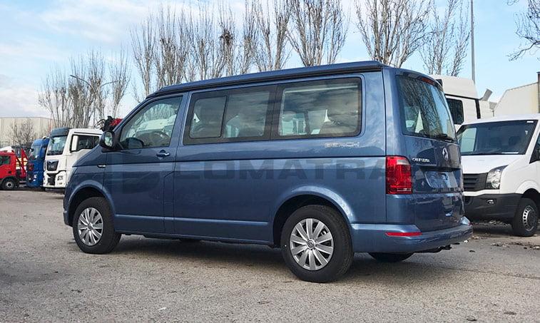 VW California Beach color azul
