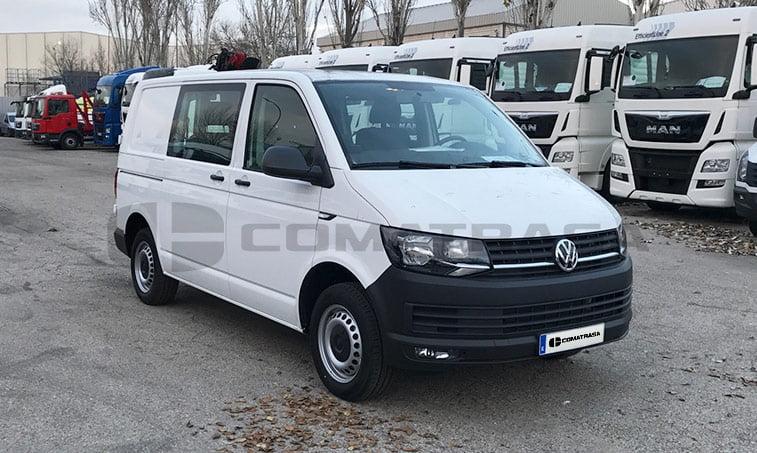 VW Transporter Kombi 102 CV derecha