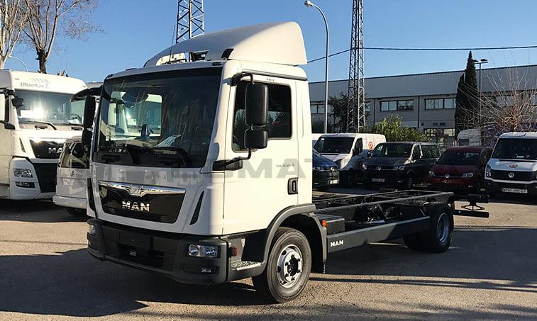 MAN TGL 12220 4x2 BL Chasis camión