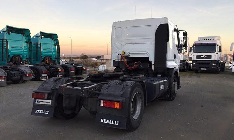 lateral derecho Renault 420.18