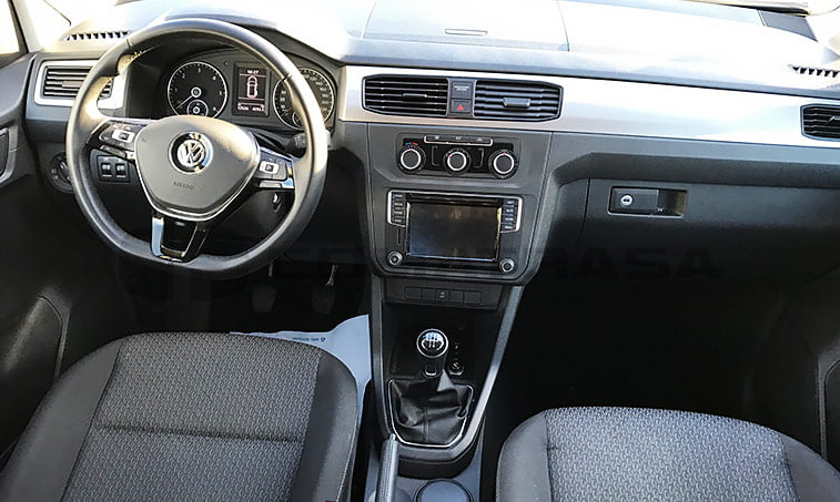 interior vw caddy trendline negro 2016