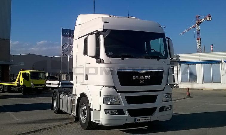 MAN TGX 18.440 4X2 BLS Cabeza Tractora (2011) derecha