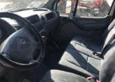 interior Mercedes 413 CDI Camión caja cerrada