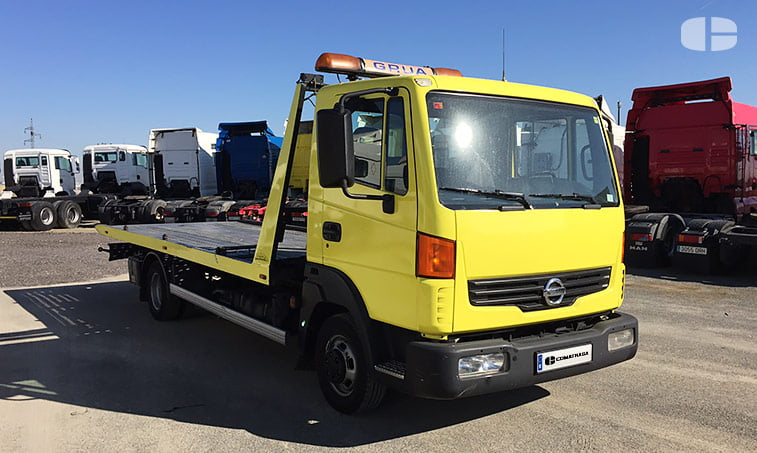 Nissan Atleon TK356 3.0 150 CV Grúa Portavehículos derecha