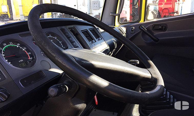 Nissan Atleon TK356 3.0 150 CV Grúa Portavehículos cuadro instrumentos