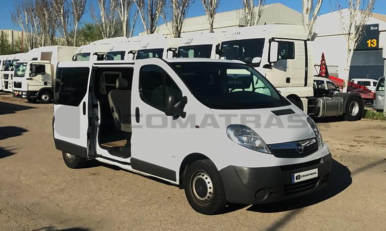 Opel Vivaro 2.0 CDTI 115 CV derecha