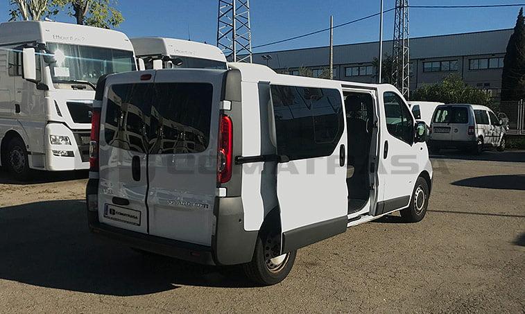 lateral derecho Opel Vivaro 2.0 CDTI 115 CV