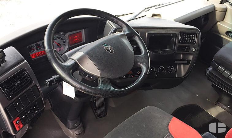 Renault Magnum 480 DXi Cabeza Tractora (2009) interior