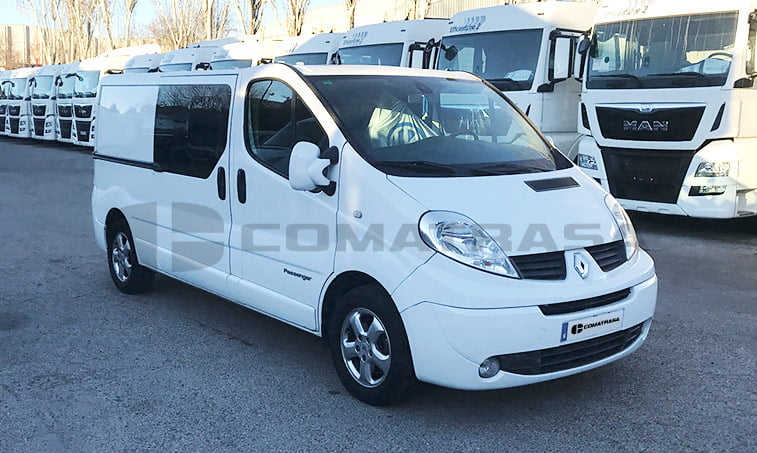 Renault Trafic Passenger lateral derecho