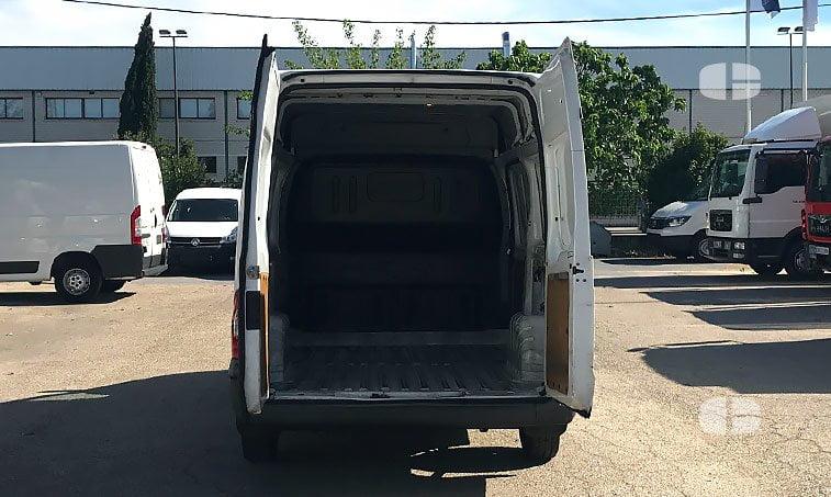 Ford Transit Tourneo 250 S 2.2 TD 100 CV zona carga