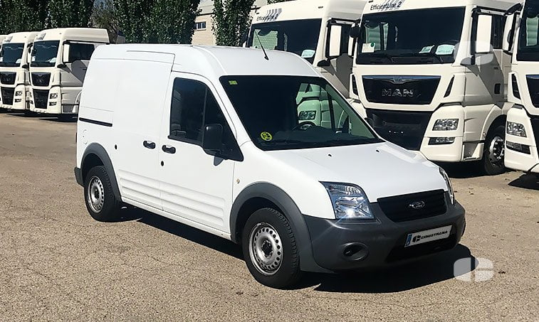 Ford Transit Connect 1.8 TDCI 90 CV derecha