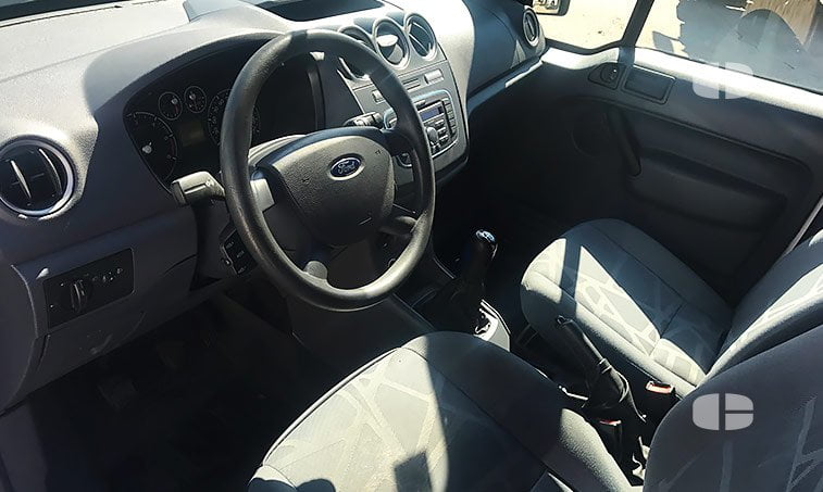 Ford Transit Connect 1.8 TDCI 90 CV interior