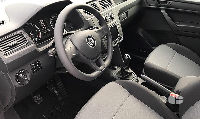 VW Caddy Profesional Kombi 2.0 TDI 102 CV 2017 asientos