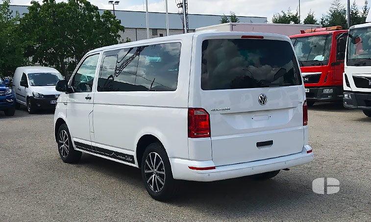 VW Multivan Outdoor 2.0 TDI 102 CV Batalla Corta lateral izquierdo