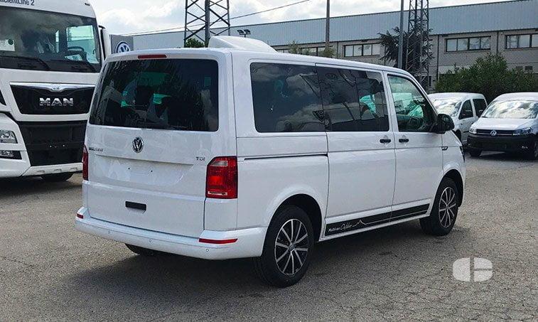 VW Multivan Outdoor 2.0 TDI 102 CV Batalla Corta lateral derecho