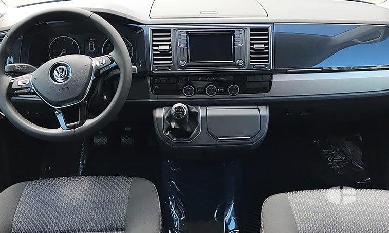 VW Multivan Outdoor 2.0 TDI 102 CV Batalla Corta interior
