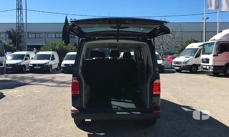 VW Caravelle Trendline DSG 2.0 TDI 150 CV maletero