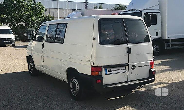 VW Transporter Kombi 1.9 TD 68 CV lateral izquierdo