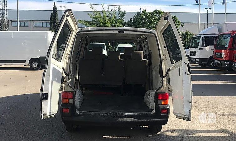 VW Transporter Kombi 1.9 TD 68 CV zona de carga
