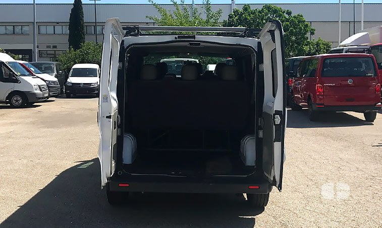 Opel Vivaro 2.0 CDTI 114 CV 9 plazas zona de carga
