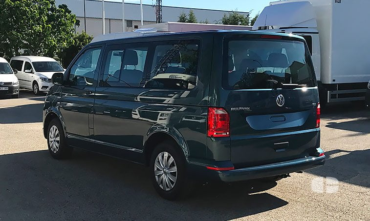 VW Multivan Trendline 2.0 TDI 102 CV 2017 lateral izquierdo