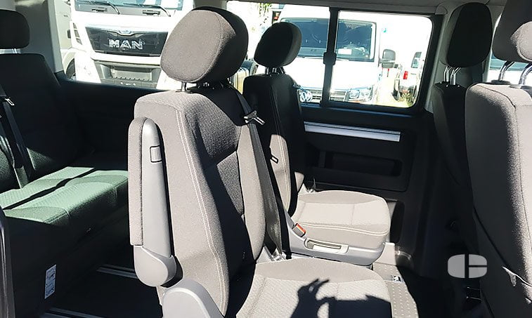 VW Multivan Trendline 2.0 TDI 102 CV 2017 asientos abatibles
