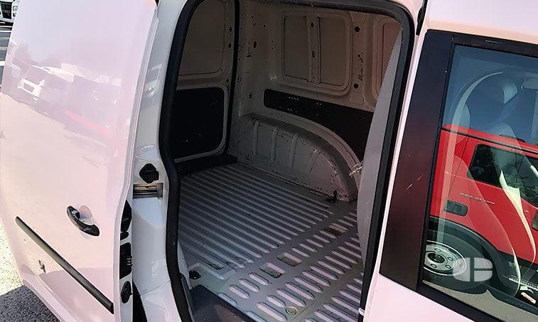 suelo carga Volkswagen Caddy 1.9 TDI 105 CV Furgón