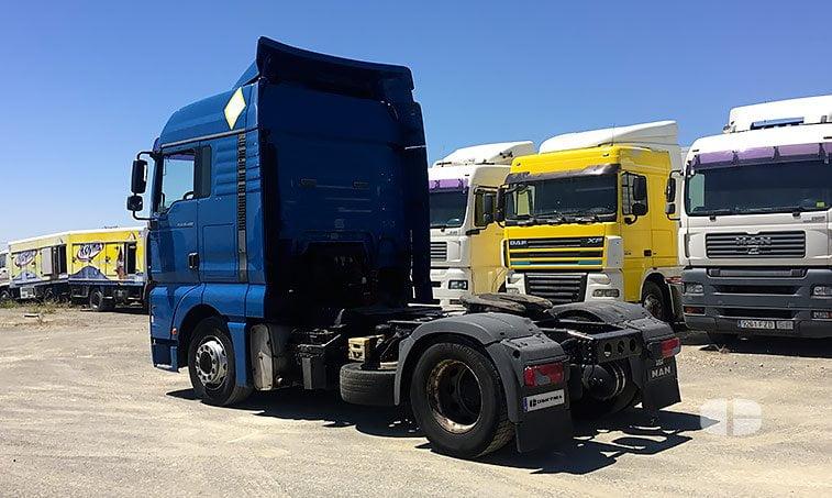 lateral izquierdo MAN TGA 18480 4x2 BLS Cabeza Tractora (2006)