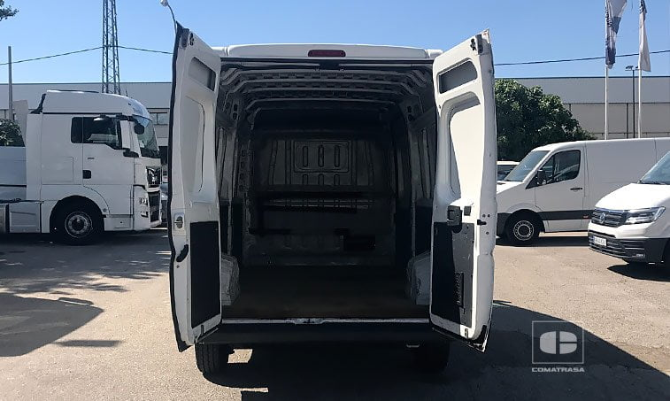 zona carga Peugeot Boxer 335 2.2 HDI 120 CV L3H2