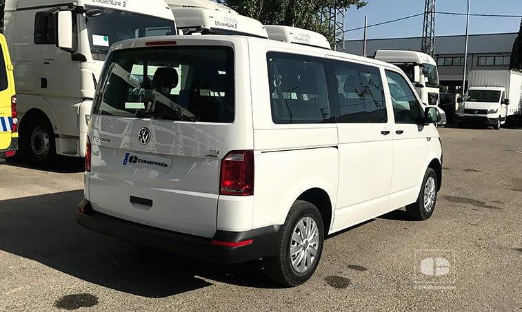 lateral derecho Volkswagen Caravelle Trendline 2.0 TDI 150 CV Mixto
