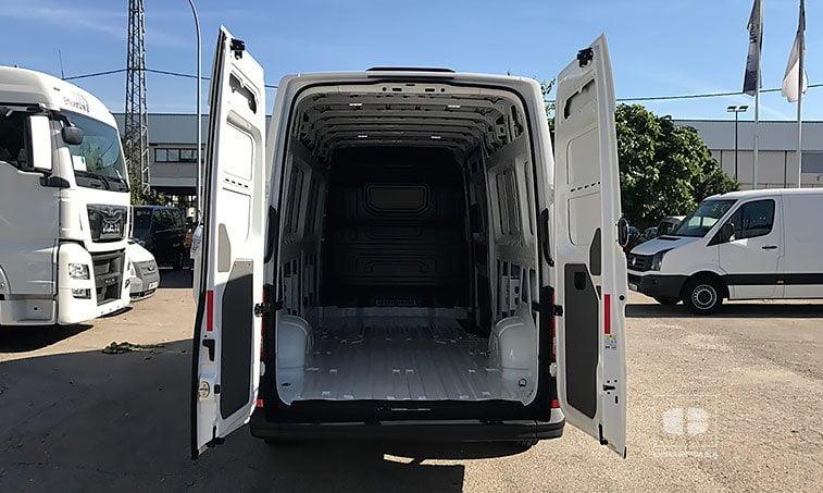 zona de carga VW Crafter 35 L4H3 2.0 TDI 140 CV BL