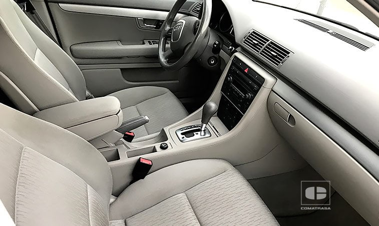 interior Audi Avant Multitronic 2.0 TFSI 131 CV