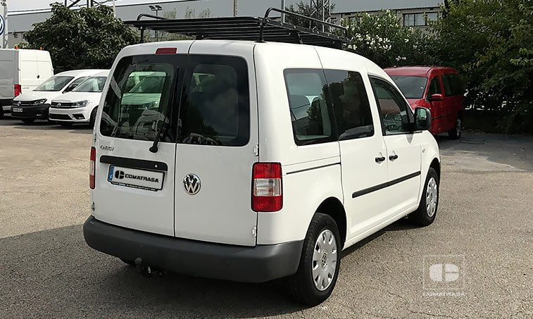 lateral derecho VW Caddy 1.9 TDI 105 CV Mixto 5 plazas