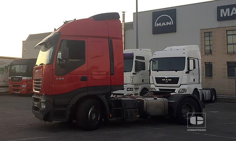 lateral izquierdo Iveco Stralis AS 440 S 48 T