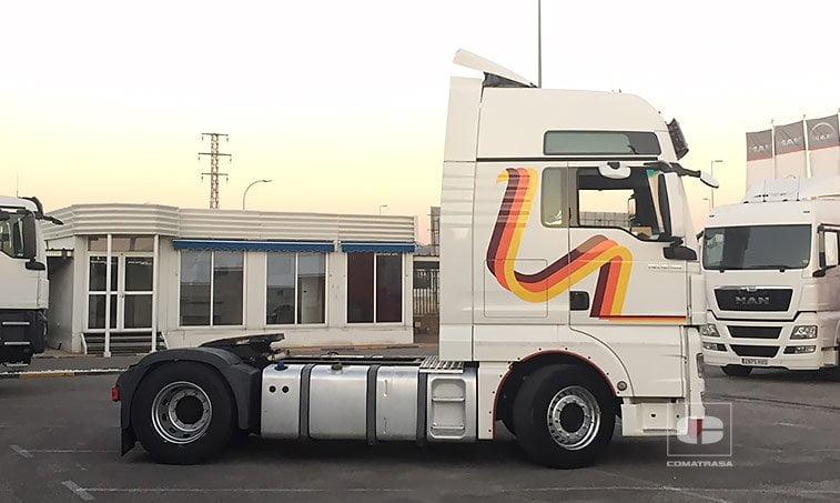 lateral derecho MAN TGX 18480 4x2 BLS Efficientline Tractora