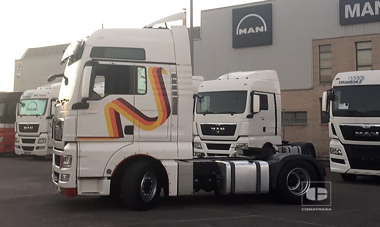 lateral izquierdo MAN TGX 18480 4x2 BLS Efficientline Tractora