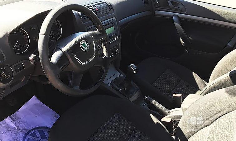 interior Skoda Octavia 1.6 TDI 105 CV 2012