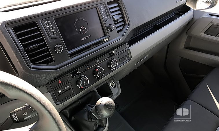 interior VW Crafter 35 L3H2 2.0 TDI 140 CV 2017