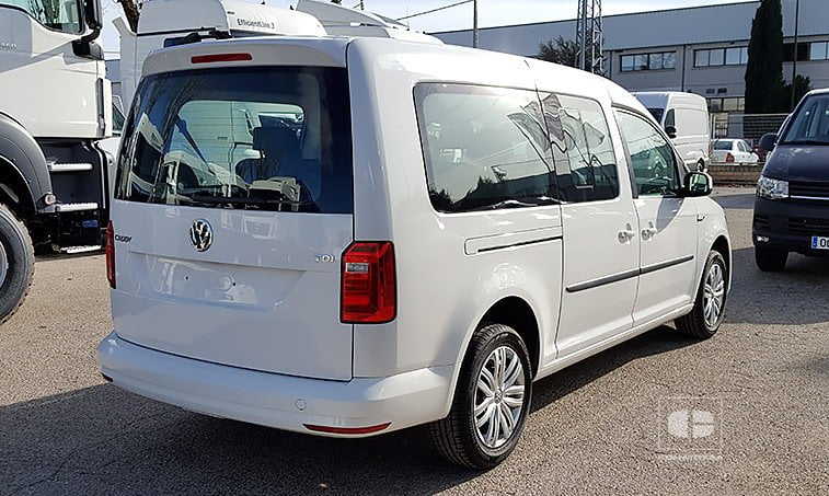 lateral derecho VW Caddy Maxi Trendline 7 asientos 2.0 TDI 102 CV