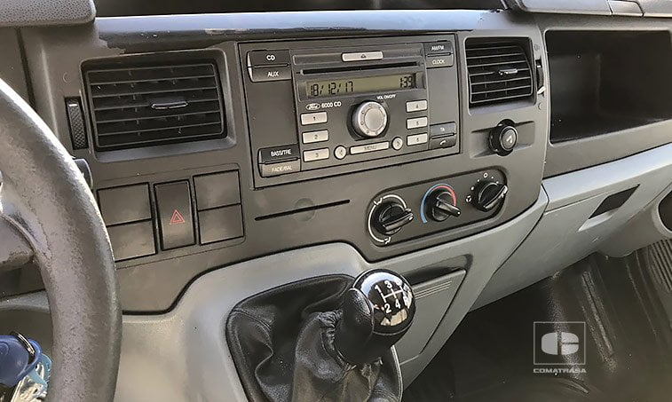 interior Ford Transit 240S 2.2 TD 85 CV Furgón