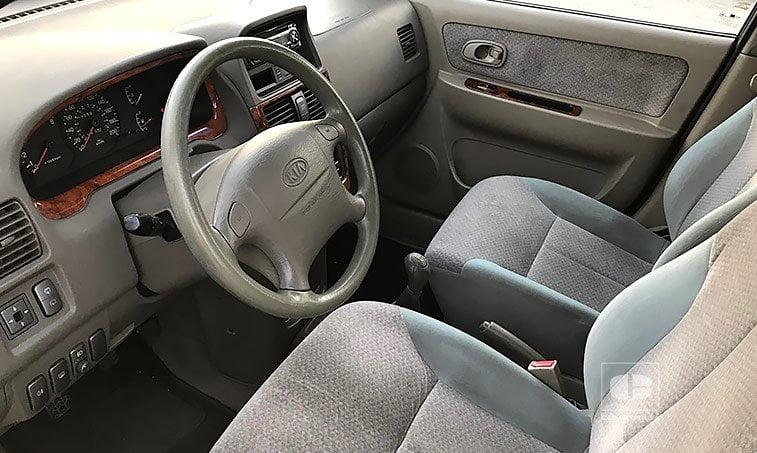 interior KIA Carens FC 1.8i 110 CV Monovolumen