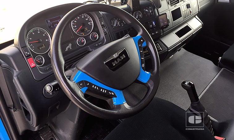 interior MAN TGL 8220 4x2 BL Semitauliner