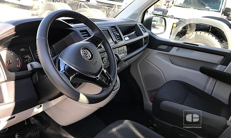 interior VW Caravelle Trendline DSG 2.0 TDI 150 CV