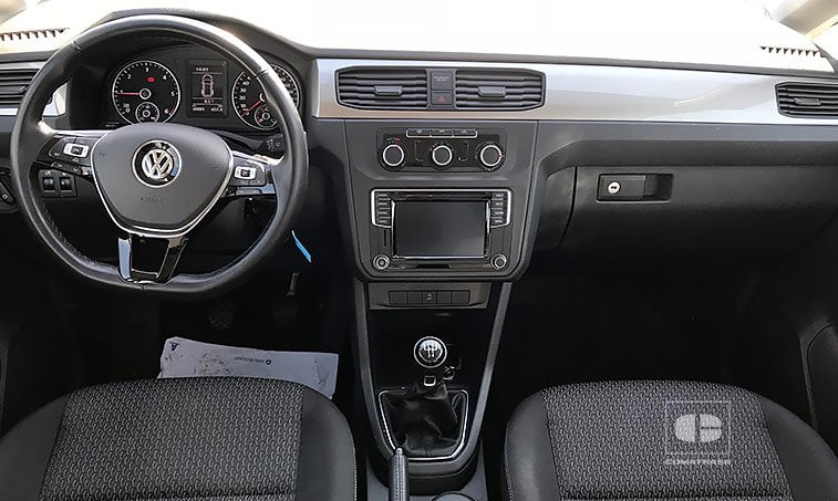 interior VW Caddy Trendline 2.0 TDI 102 CV Mixto Adaptable